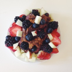 TUESDAY: Loaded Japanese sweet potato with fail vegan chocolate protein pancake, blueberries, blackberries, donut peaches, cinnamon and strawberries