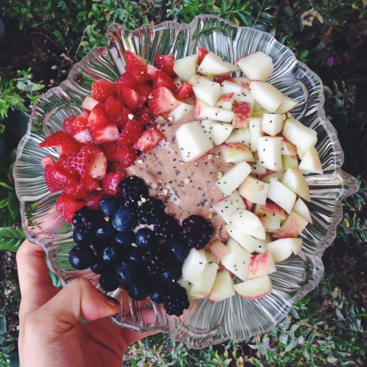 THURSDAY: Chocolate nana ice cream with peaches, Qi'a chia cereal, strawberries, blueberries and blackberries! FINALLY something other than acai :)